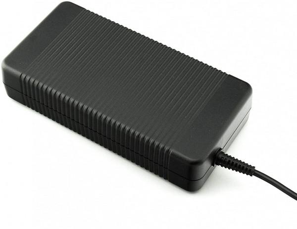 Fujitsu Netzteil ADP-210BB B - 210 Watt